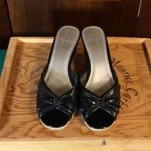 Alfani sz 10 Black Open Toed & Heel Wedge Sandal